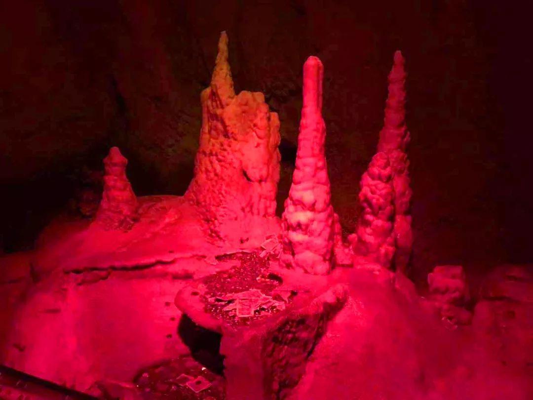 【下站去哪】穿越魔幻滑梯,还坐溶洞下山,这匠视频艺图片