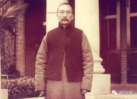 1938年滯留上海的唐紹儀深陷漢奸傳聞,觀賞古董瓶時被鋼斧砍死