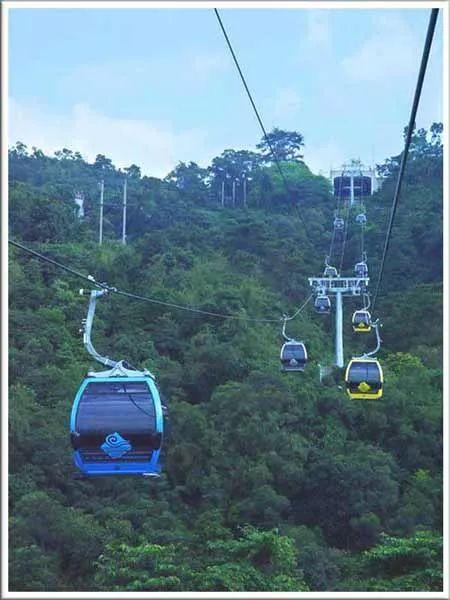 玻璃栈道,高山滑道,攀岩等刺激性项目      广州白云区白云山风景区
