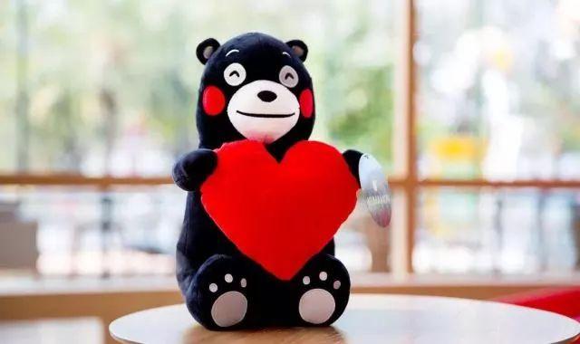 这里还有各种各样可爱的玩偶      以及各种各样可爱的熊本熊周边